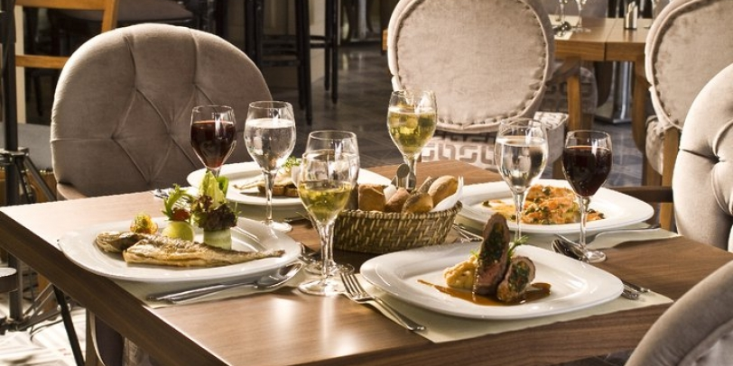 Cajun Cafe and Brasserie - Innpera Hotel