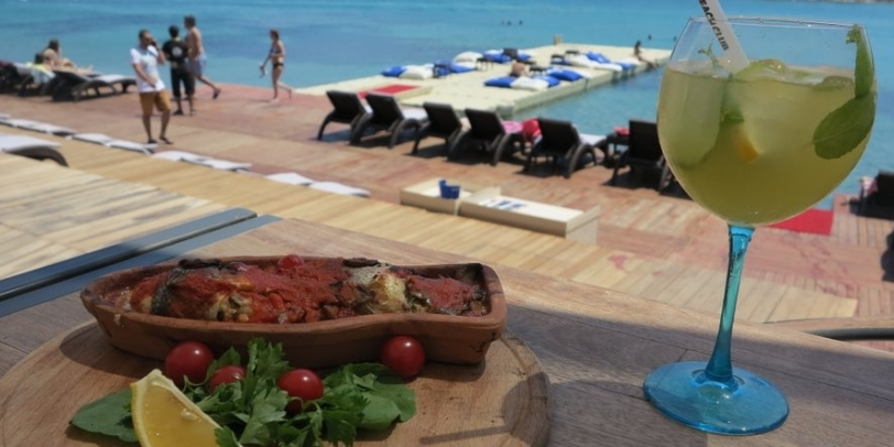 Kafe Pi Beach Alaçatı