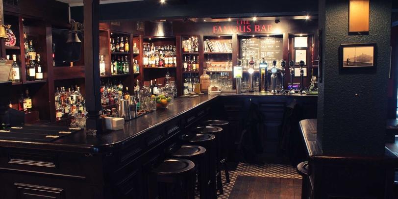 Zeplin Pub and Delicatessen